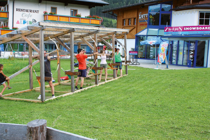 archery in flachau the oldest human hunting form with. Black Bedroom Furniture Sets. Home Design Ideas